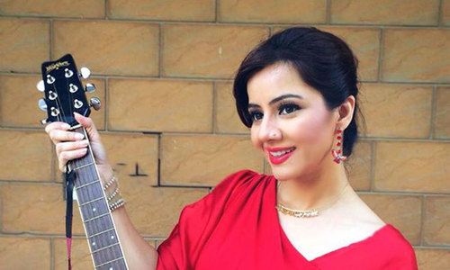Top 10 Most Popular Pakistani Female Singers of All Time | LATEST TOPICS