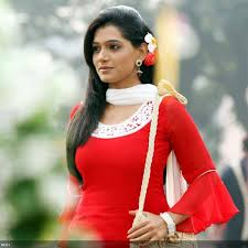 4e8a7ba0ebb4a10a0c431ae8ec21ee88 Top 10 Most Beautiful Marathi Actresses in 2014