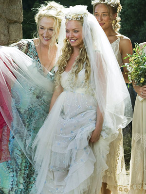 9d69113701398579711cea0b4aae9ab5 Top 10 Best Movie Wedding Dresses of All Time