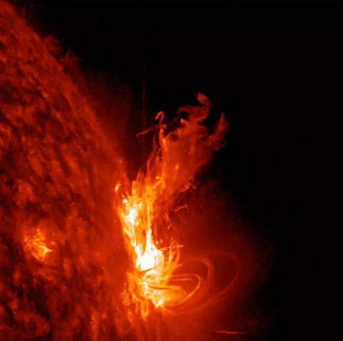 5b1aebfc354444886e1d5bab60e00ca0 Solar flare spewing from mega hole in the Sun could cause blackout mayhem