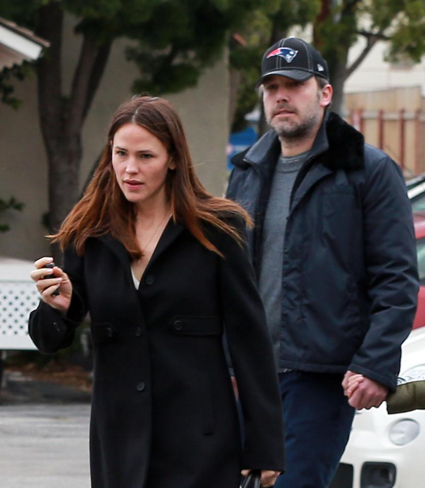 7f74e560dcb3261b94279154ee98271e Jennifer Garner 'still says ex Ben Affleck is the love of her life' and is not dating anyone two years after their shock split