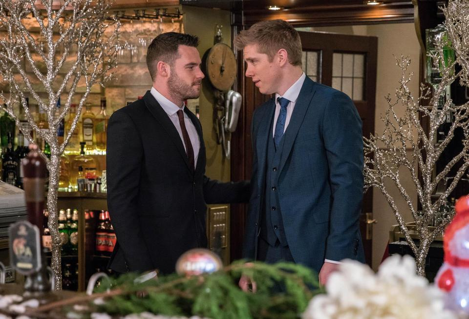 9a47aced4b2410aa7ffe3bf17d0cd88a Emmerdale's Robert Sugden and Aaron Dingle will get a second OFFICIAL wedding despite pregnancy drama