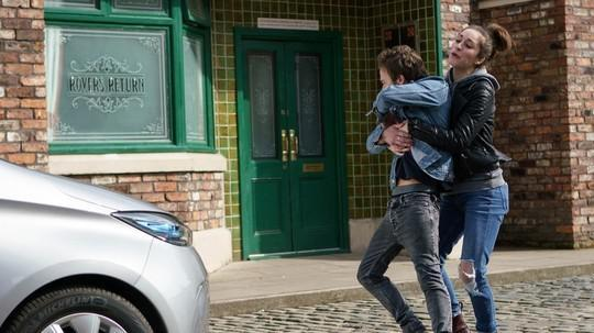 d162c21c20d2f2c5846e339615cfff8b Coronation Street spoilers: Will Shona Ramsey confess to David Platt as he celebrates attack on killer Clayton?