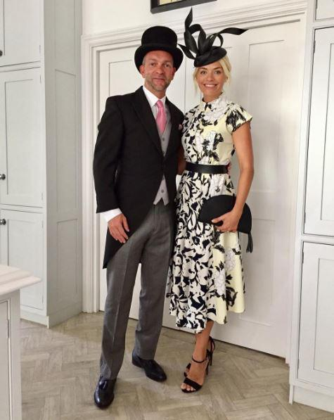 04e12f8c5f3f6a3fbe67a3b60a589d50 Holly Willoughby glams up for Royal Ascot in flowery dress with matching hat as she spends her day off at the races with Phillip Schofield