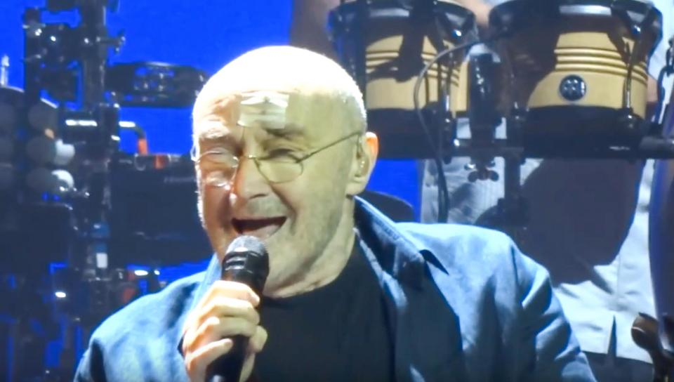 34562b18760cc475e29966563699e502 Phil Collins returns to the stage sporting a nasty scar just days after horror fall prompted him to cancel London shows
