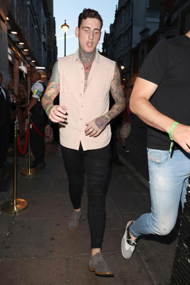 39ca8fcfb8c6f6215232026cab8785f4 Troubled Jeremy McConnell falls off the wagon just days after vowing to quit booze for the sake of son Caben-Albi and girlfriend Stephanie Davis following stint in rehab