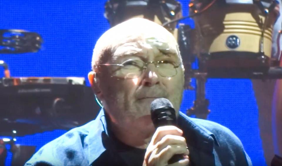 5c79b8f6255121739e5a6f2b2bb0410e Phil Collins returns to the stage sporting a nasty scar just days after horror fall prompted him to cancel London shows