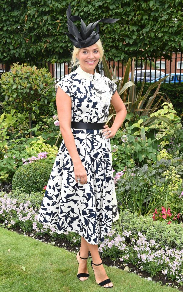 5e48ace5e673a675292d7c2f2d45af66 Holly Willoughby glams up for Royal Ascot in flowery dress with matching hat as she spends her day off at the races with Phillip Schofield