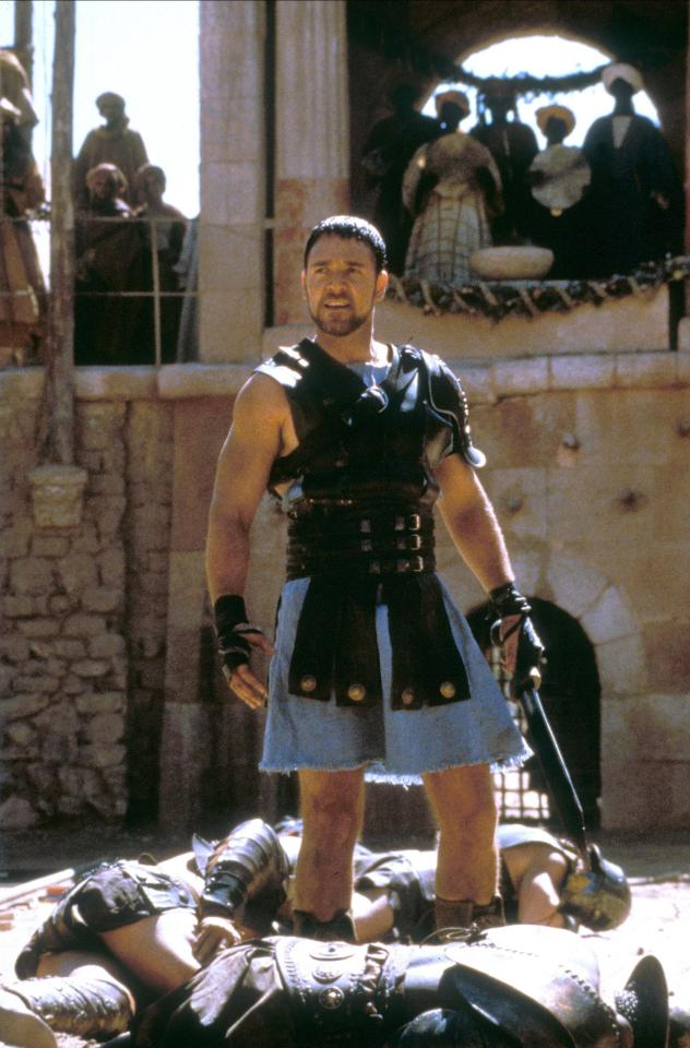 Gladiator star Russell Crowe loses battle of the bulge as ...