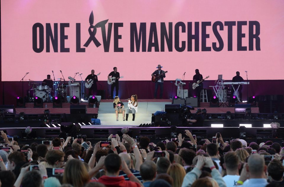 abfe0442abd03721e88fc0885995bd7b Ariana Grande to release charity single of Somewhere Over The Rainbow cover from One Love Manchester concert
