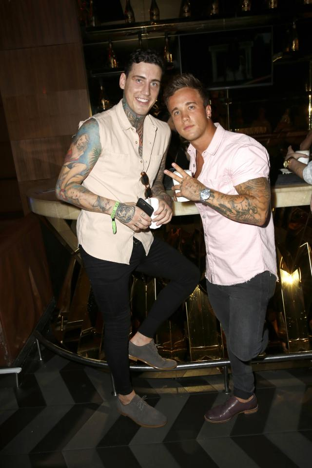 d8cd6f32d6b0a5832d4a2ceae0c66498 Troubled Jeremy McConnell falls off the wagon just days after vowing to quit booze for the sake of son Caben-Albi and girlfriend Stephanie Davis following stint in rehab