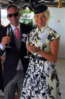 ec5e8960abecbd532045197d2e6a8b69 Holly Willoughby glams up for Royal Ascot in flowery dress with matching hat as she spends her day off at the races with Phillip Schofield