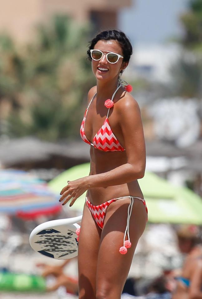21935658c93783735858bb9f1f0ca66c Lucy Mecklenburgh shows off her insane figure as she plays tennis on the beach in Ibiza