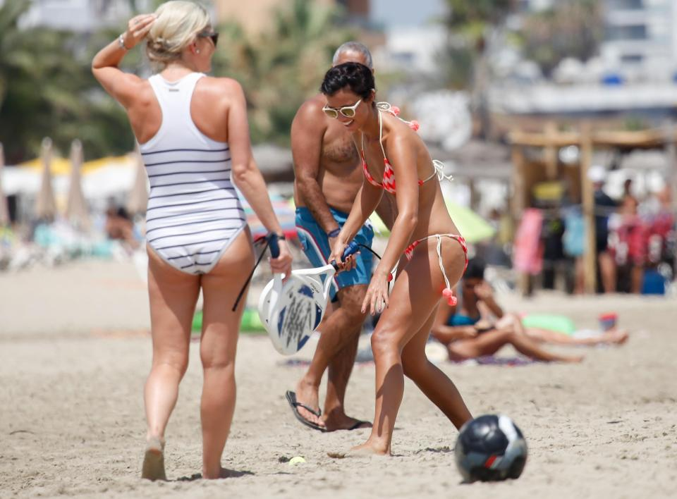 2598c9683b36c9674044460c8c6f765c Lucy Mecklenburgh shows off her insane figure as she plays tennis on the beach in Ibiza