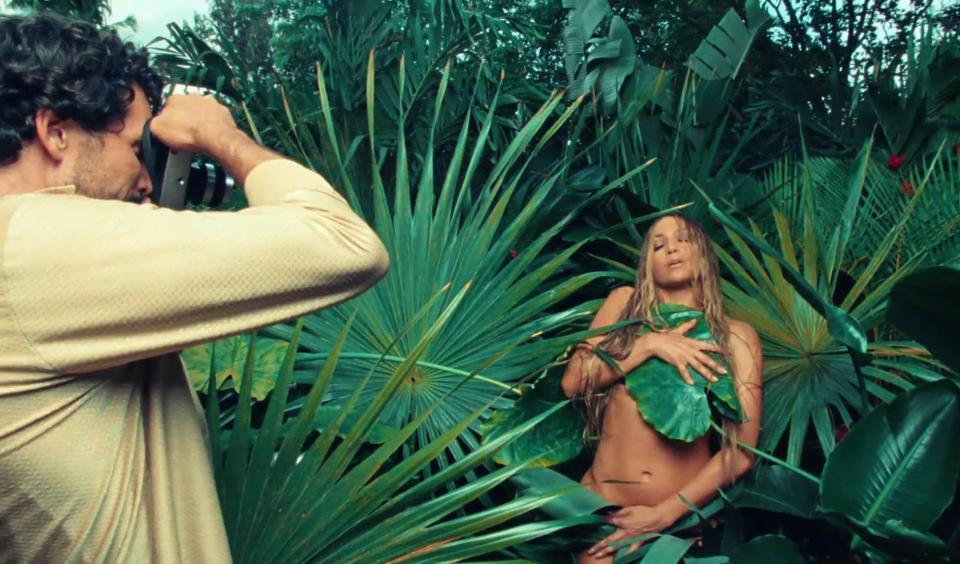 Jennifer Lopez Is High-Fashion Latin Queen In Ni Tú Ni Yo