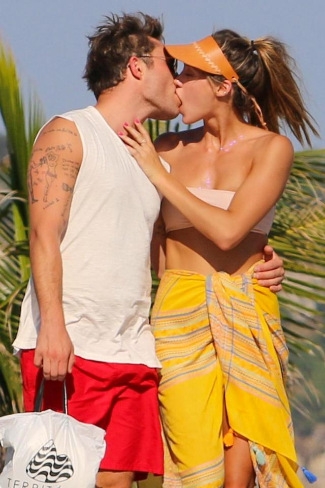 56e8a74efaccea1bf168b1131d277118 Ed Westwick puts on a cringe-worthy PDA as he snogs his girlfriend Jessica Serfaty on romantic beach break in Brazil