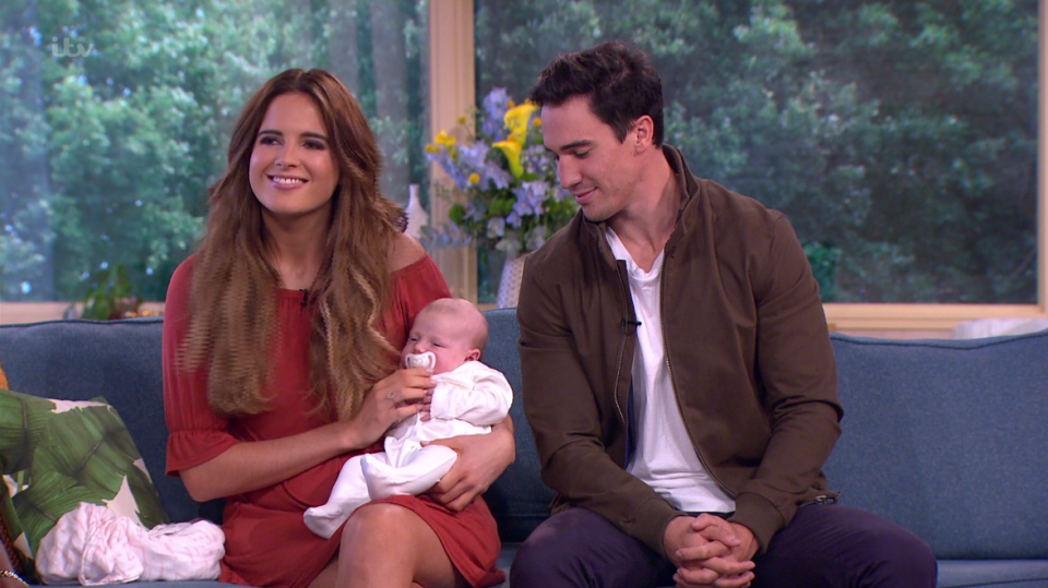 690e9945dda33b385be5efa4948f3049 Made in Chelsea's Binky Felstead admits she was terrified to breastfeed two-month old daughter India in public