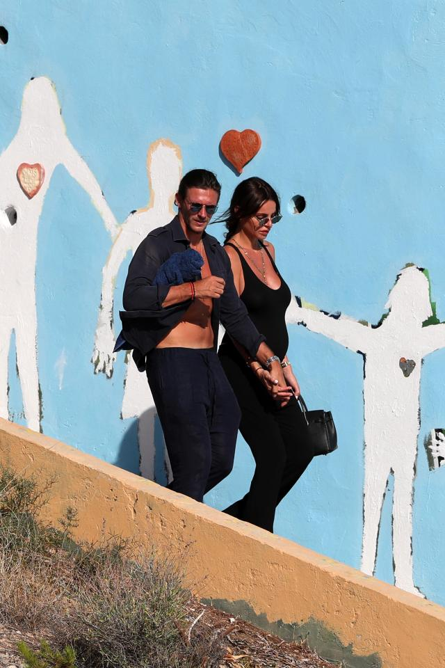 8d2a84c454e277400956749bd8eb4827 Towie's Jake Hall confirms girlfriend Missé Beqiri is pregnant as he kisses her growing bump on romantic holiday in Spain