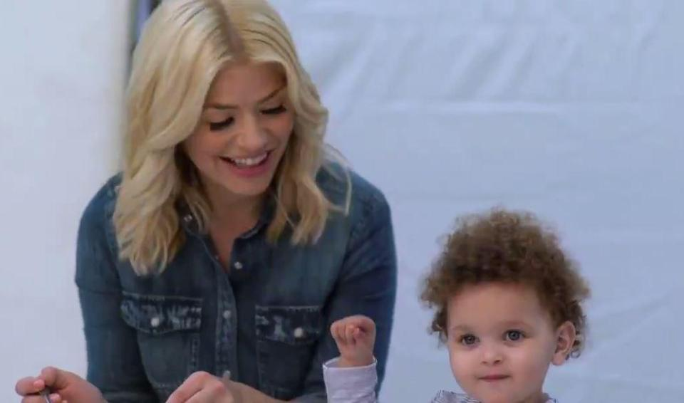 Holly Willoughby shares adorable behind the scenes video ...