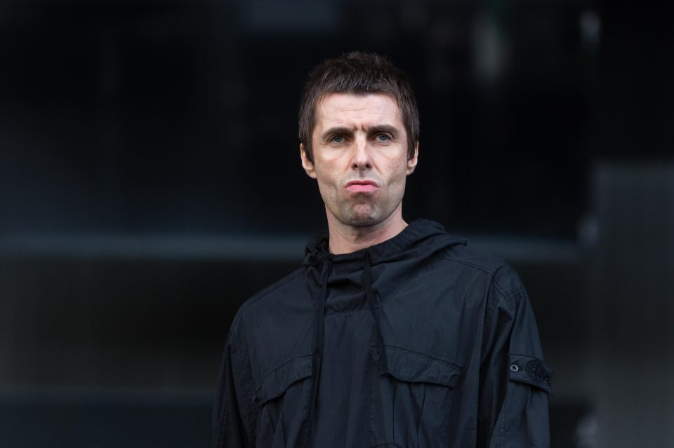 b16e0ab929ec91d34d5f79889d33759c Liam Gallagher shows he's STILL obsessed with Love Island as fans spot snap of Dom Lever on his phone