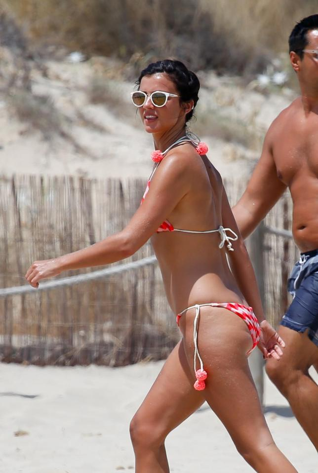 e9bf5a621f8ea0bede738c38a4714069 Lucy Mecklenburgh shows off her insane figure as she plays tennis on the beach in Ibiza