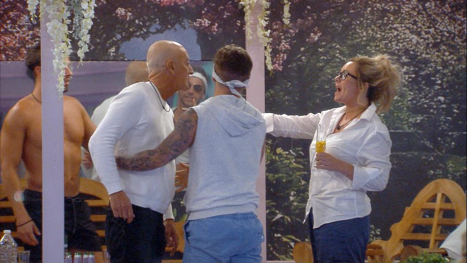 f2fc43c145581c007fa5a0787e510425 Big Brother bosses forced to beef up security for tonight's final wrap party over fears warring housemates will kick off – as Rebecca Jane calls for private meeting with Chanelle McCleary