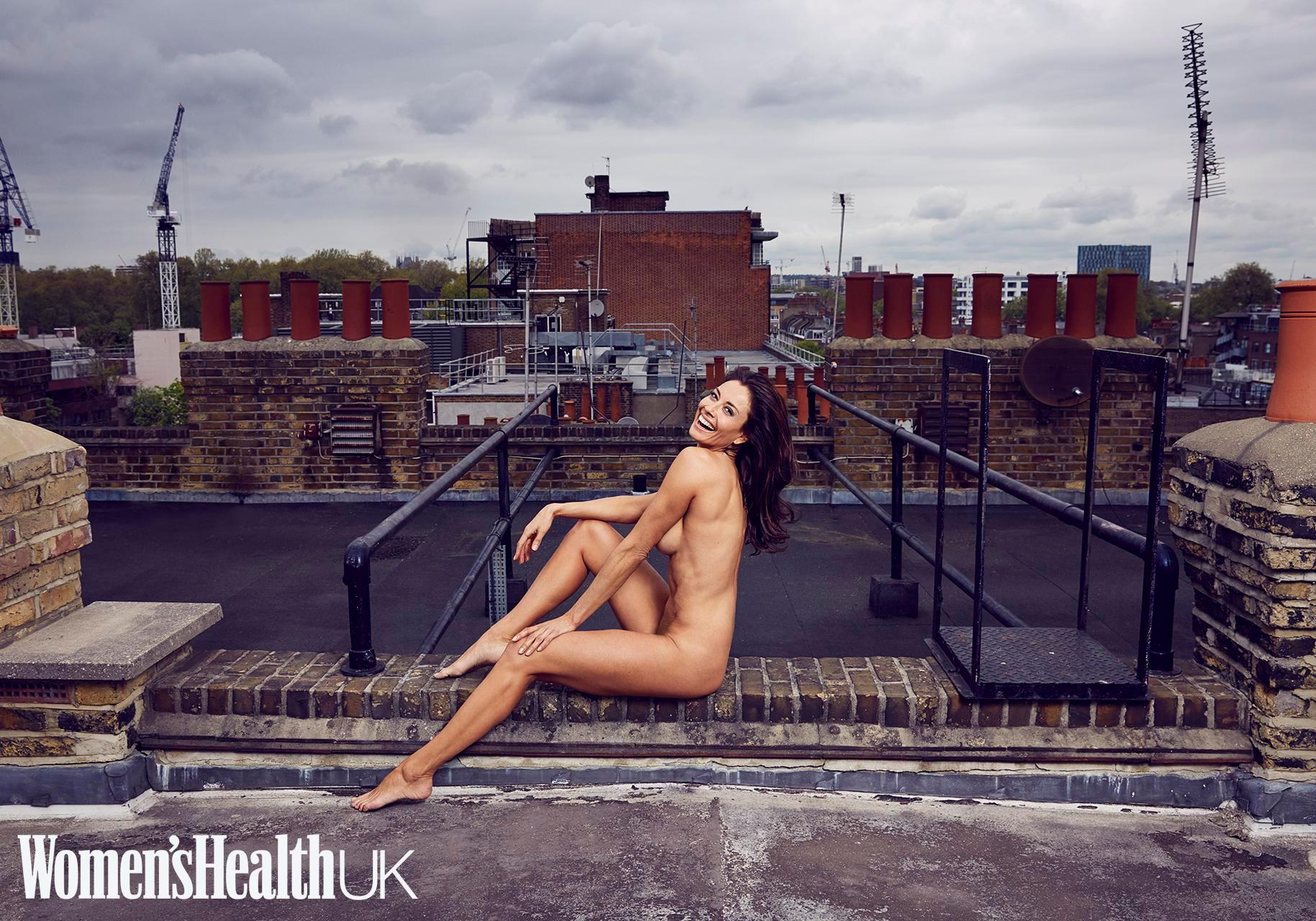 Hd Pics Of She Is Middle Aged She Is Gorgeous And She Is Stark Naked melanie sykes strips completely naked as she turns 47 in stunning