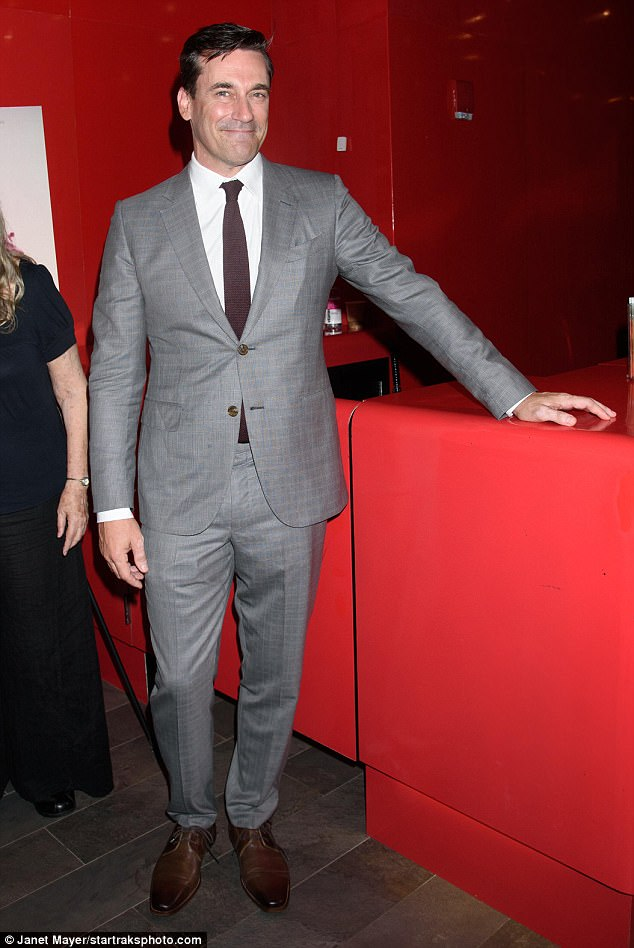 688e871c53c67d636f6831ff0c4c7713 Dynamic duo! Jon Hamm and Geena Davis cut stylish figures at New York premiere of Marjorie Prime