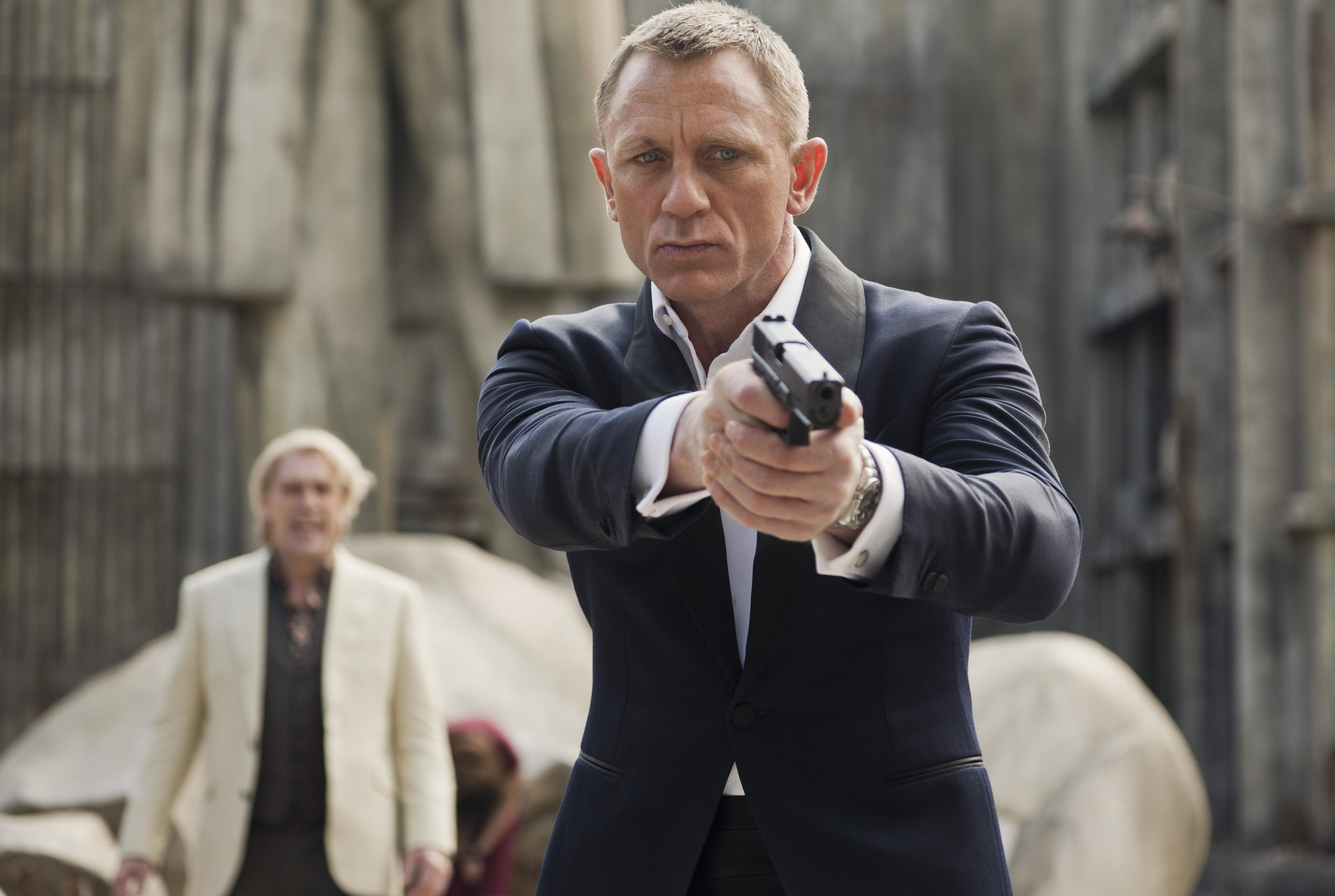 77df3c2bb8aadac33b8fa85868d9fc26 Bond actor Daniel Craig set to play 007 in two more movies despite nearly quitting the role