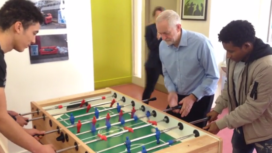 0bb1476babf73eba52a046dc9e41c384 Jeremy Corbyn mocked after he uses banned 'spinning technique' in table football match with teenagers