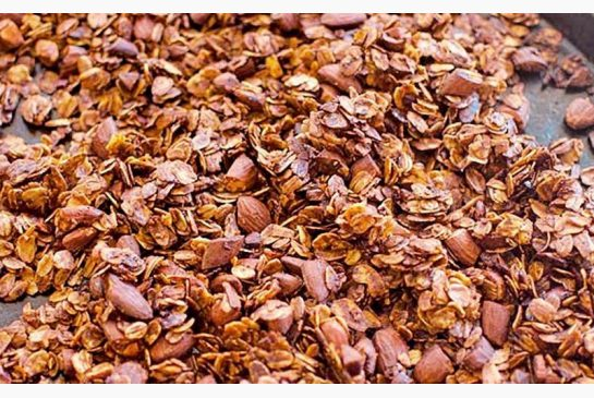 cb67a172a2fc5af250424f6a162e1eae Honey-almond granola: A quick, simple way to start the day