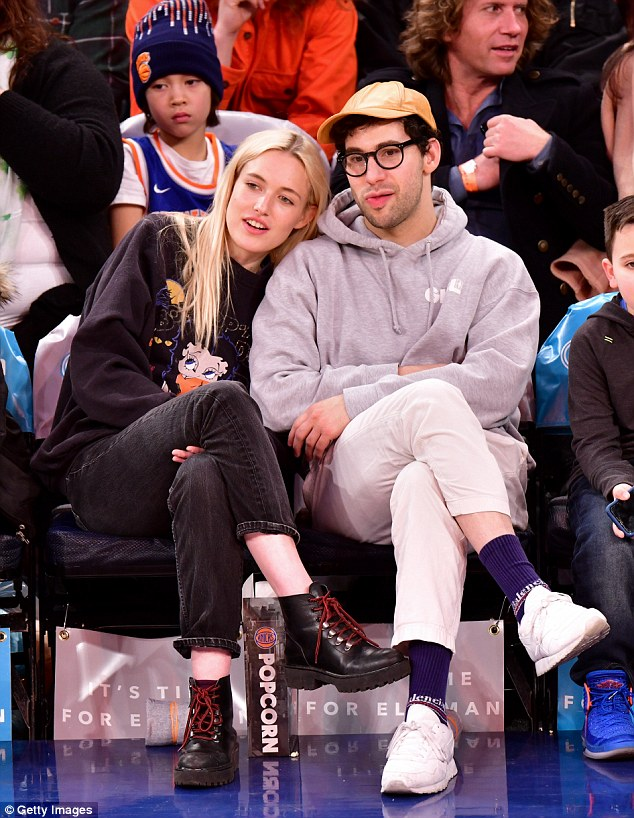 cc65634561f84edb47e3eee37d9e7baf He's moving on! Jack Antonoff cuddles up to model girlfriend Carlotta Kohl at Knicks basketball game following split from Lena Dunham