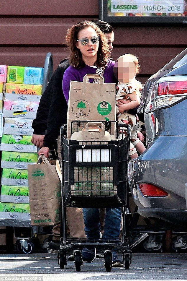 cd7fc388c48f8a224bc6ac963c476d3d Mommy-daughter time! Natalie Portman takes one-year-old Amalia grocery shopping in Los Angeles