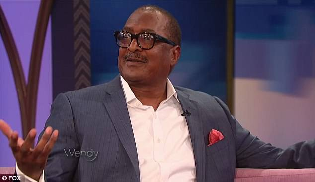6a64fa8642b875d2e0671bea6813ad44 Mathew Knowles 'laughed so hard' when he saw 'firecracker' daughter Solange fight son-in-law Jay-Z